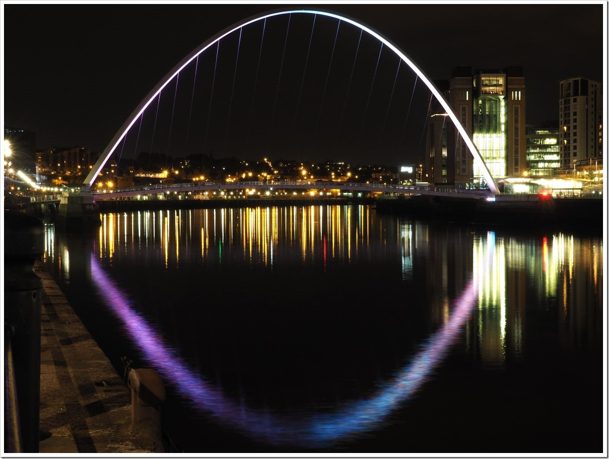 Gateshead Millennium Bridge Night