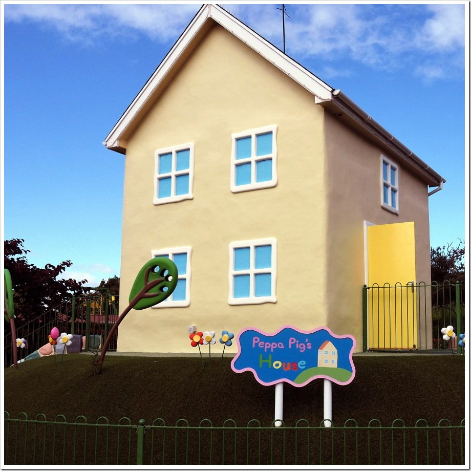 Peppa Pigs House