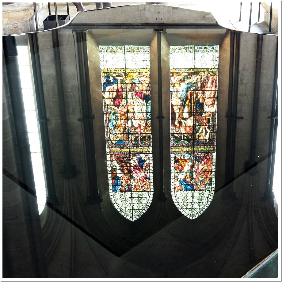 Salisbury Font Reflection