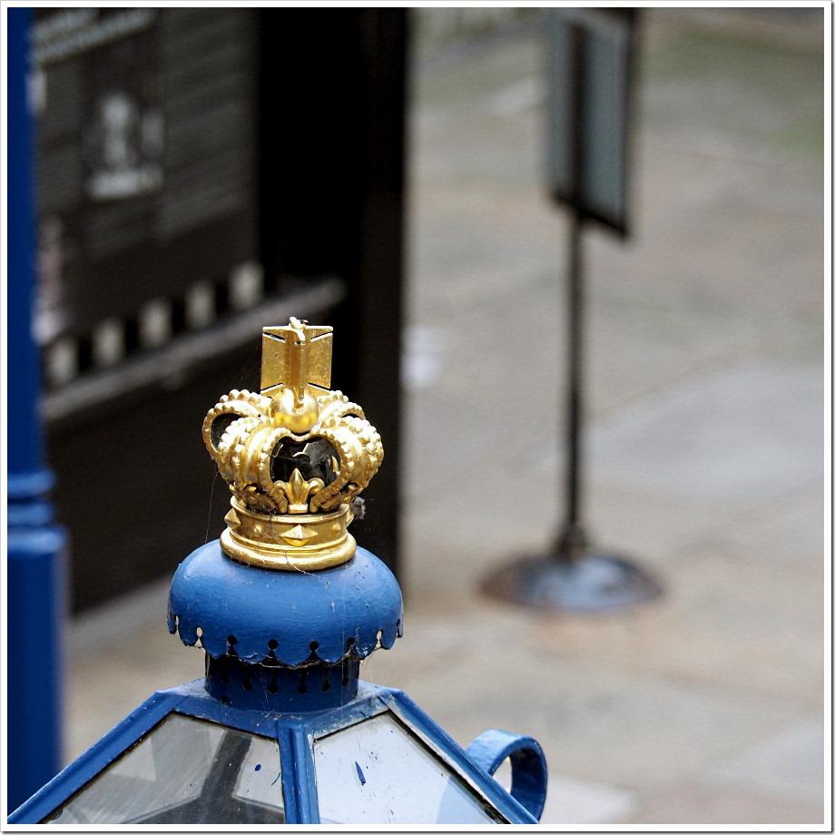 Lamp Top Crown